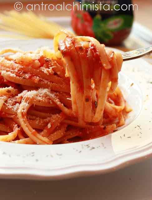 Ricetta: Linguine al Pomodoro e Speck