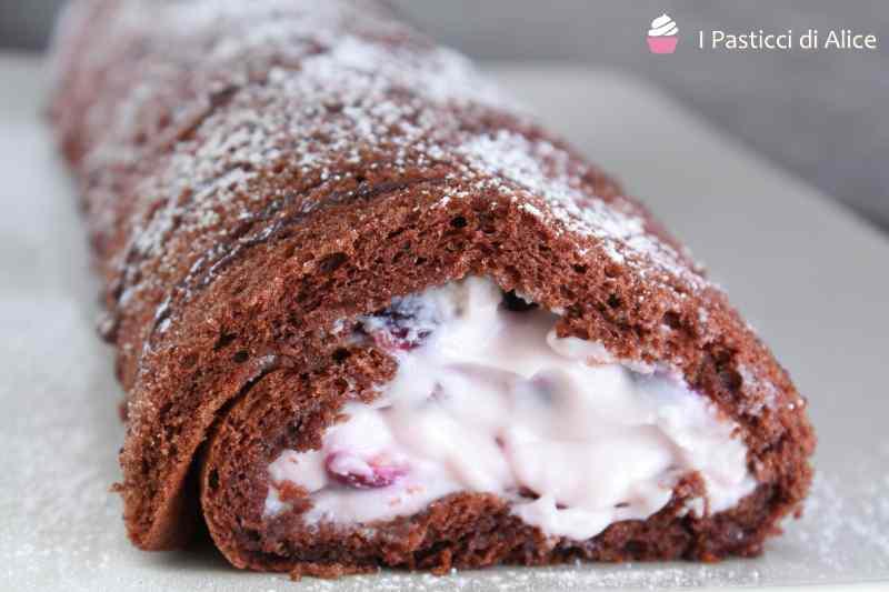 Ricetta: Rotolo al cacao mascarpone e ciliegie