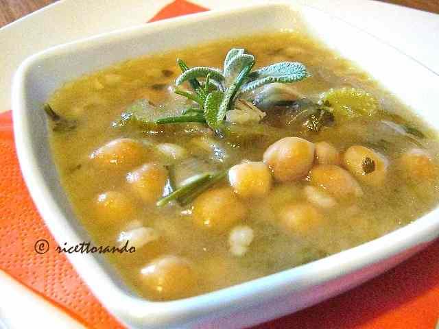Ricetta: Zuppa invernale di ceci con orzo e farro