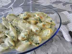 Ricetta: Conchiglioni ripieni con ricotta e spinaci