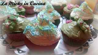 Cupcake di carnevale con stelle filanti