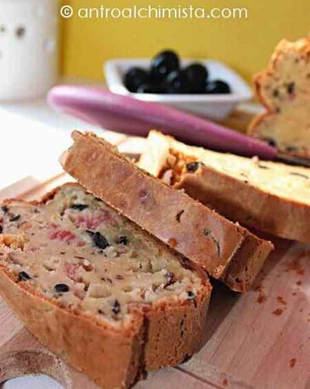 Ricetta: Cake alle Nocciole con Pancetta Dolce e Olive Nere