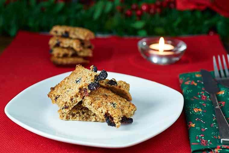 Ricetta: Biscotti alle nocciole e mirtilli rossi