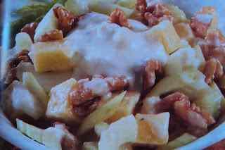 Ricetta: Insalata di sedano, noci e formaggio