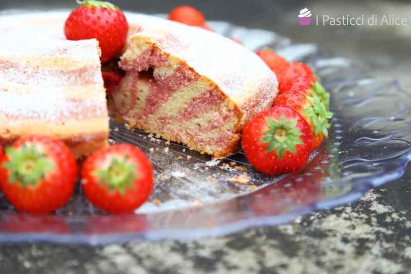 Ricetta: Torta Zebrata alle Fragole
