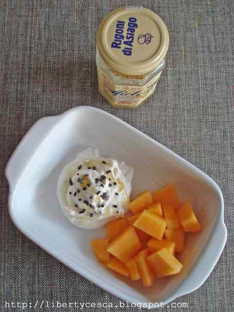 Ricetta: Ricotta alla cannella e miele / ricotta cheese with cinnamon and honey