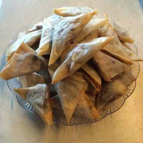 Triangoli dolci di pasta fillo