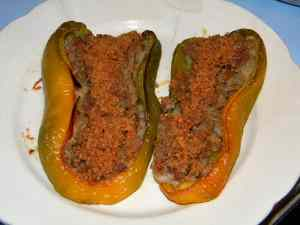 Barchette di peperoni ripiene