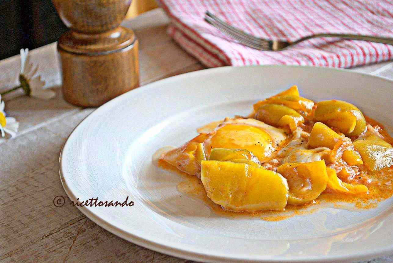 Ricetta: Uova in salsa di peperoni ricetta spagnola