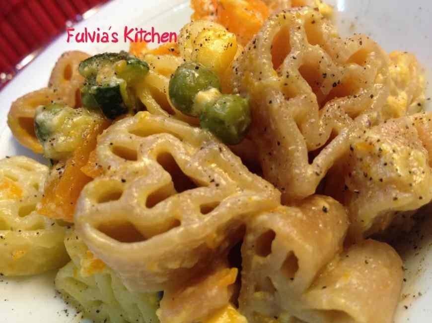 Carbonara di cuori di pasta alle verdurine