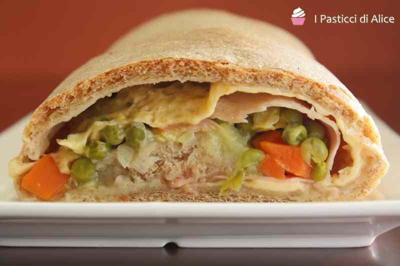 Ricetta: Rotolo di Pizza Formaggio e Verdure
