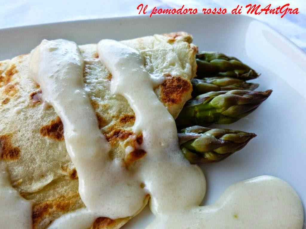 Ricetta: Crepes agli asparagi e crema di Parmigiano Reggiano