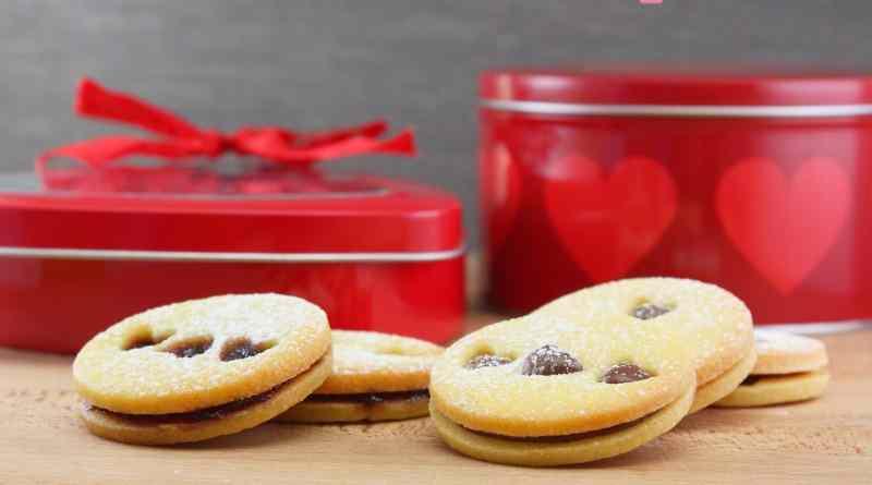 Ricetta: Biscotti di pasta frolla farciti