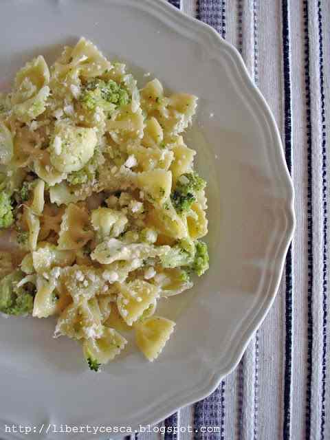 Ricetta: Farfalle con broccoli e stracchino / butterfly pasta with broccoli and stracchino cheese