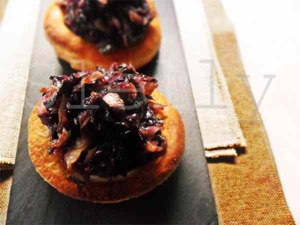 Ricetta: Dolceamaropiccante - nidi di sfoglia con radicchio al miele e fonduta di provolone piccante