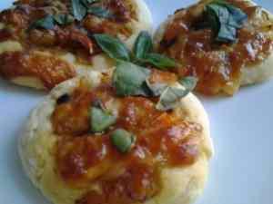 Pizzette di patate al forno