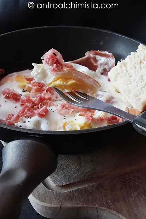 Ricetta: Uova al Tegamino con Prosciutto Crudo