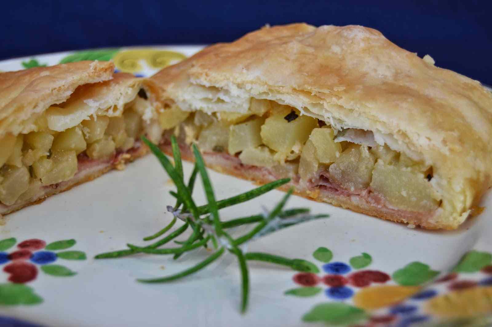 Ricetta: Strudel salato di mele, patate e speck