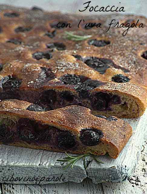 Ricetta: Focaccia con uva fragola e mosto cotto