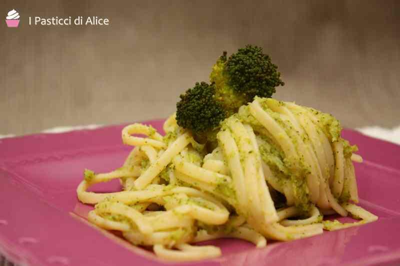Ricetta: Spaghetti con crema di broccoli