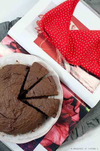 Ricetta: Torta al cioccolato / chocolate cake recipe