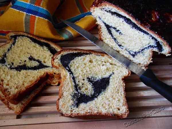 Cozonac cu mac (torta semi di papavero)