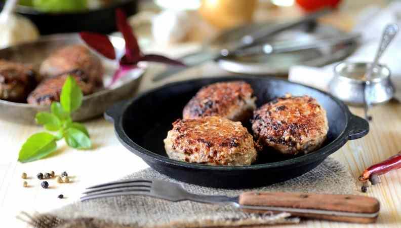 Ricetta: Pojarski di carne, tipico piatto russo