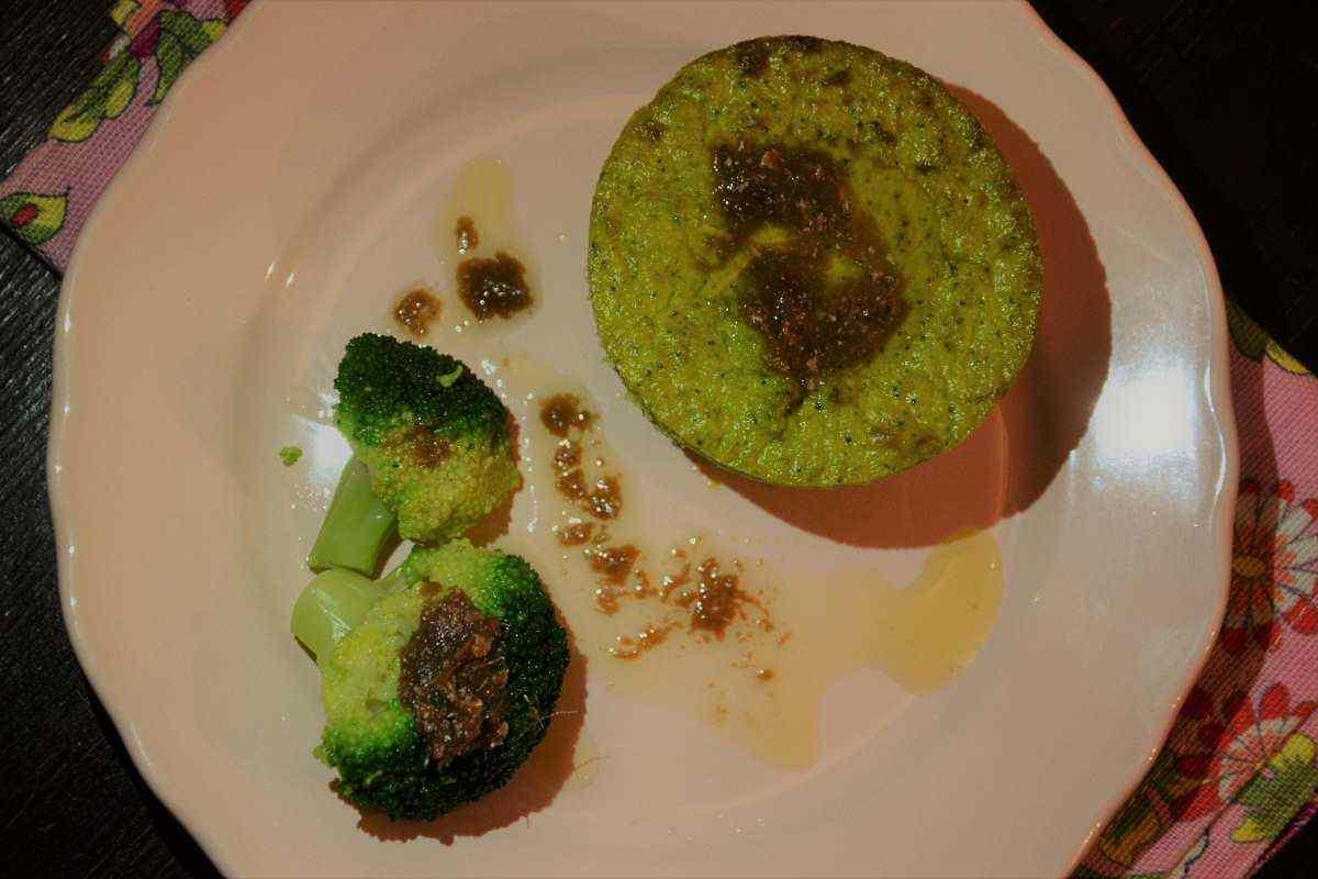 Ricetta: Tortino di broccoli con salsa di acciughe