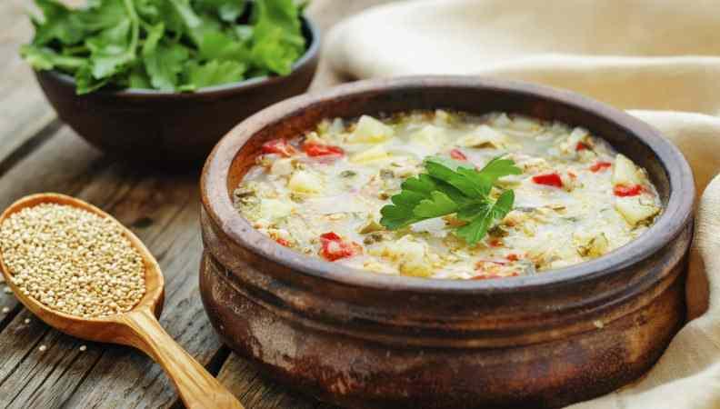 Ricetta: Minestra di latte con quinoa, peperoni e patate