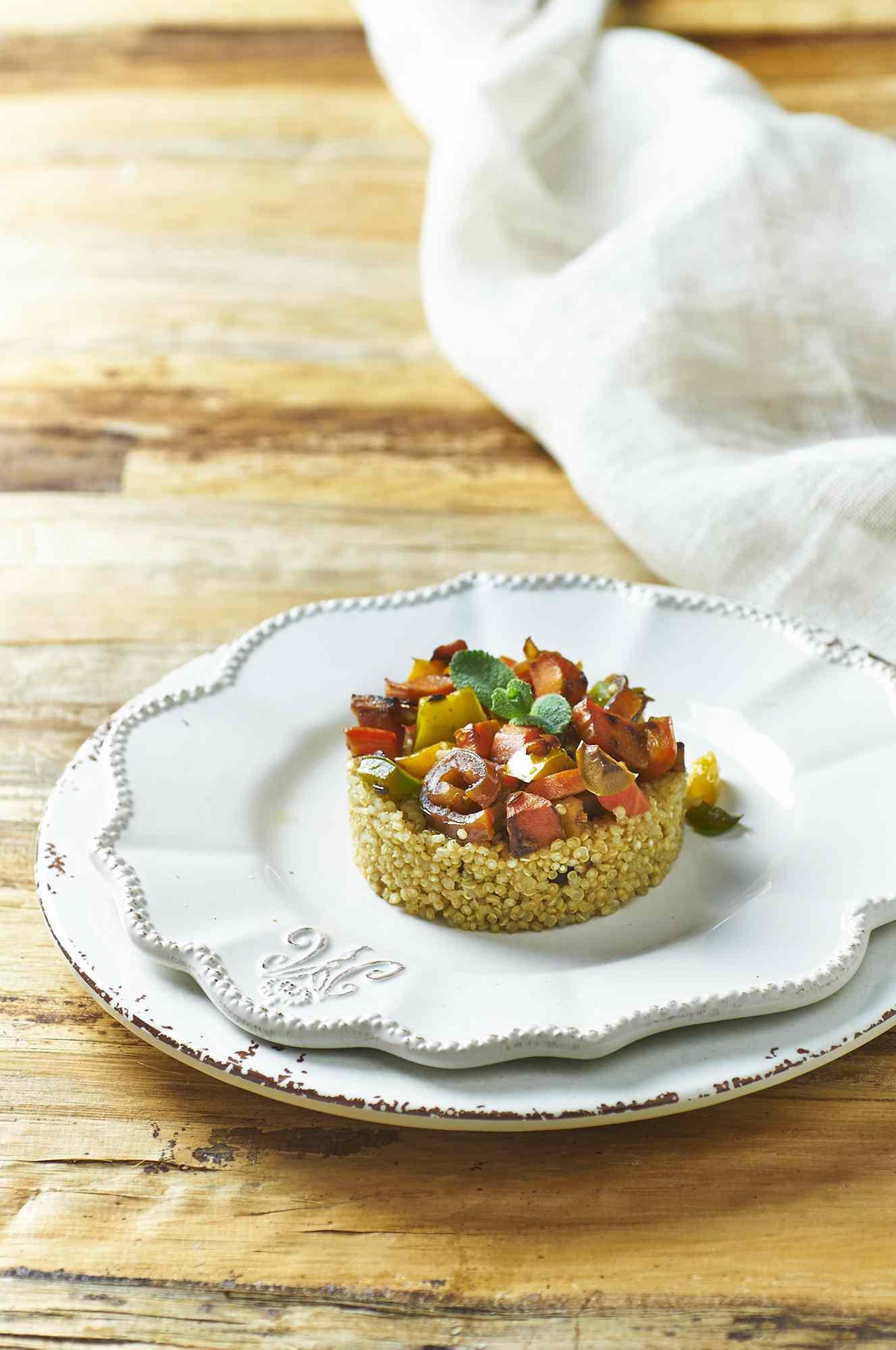 Quinoa alle verdure e datteri