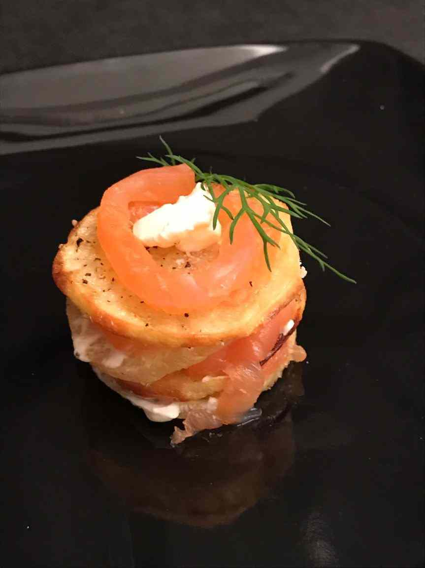 Millefoglie con patate, cream cheese e salmone