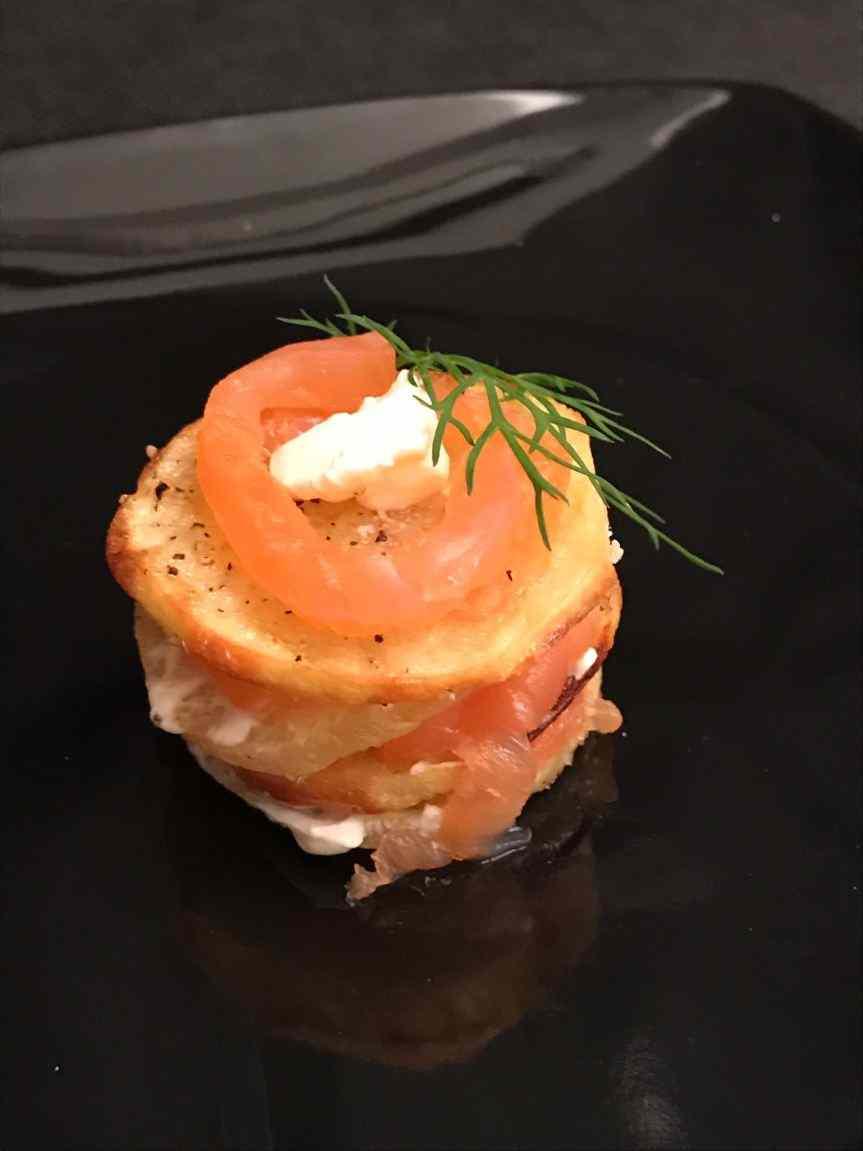 Ricetta: Millefoglie con patate, cream cheese e salmone