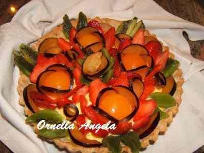Crostata con crema e frutta