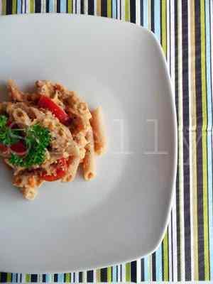 Pasta e fagioli tonnata - unione della pasta e fagioli con l\'insalata di tonno, fagioli e pomodoro.