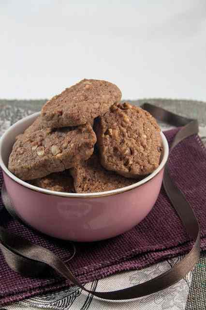 Ricetta: Biscotti di frolla cacao e nocciole