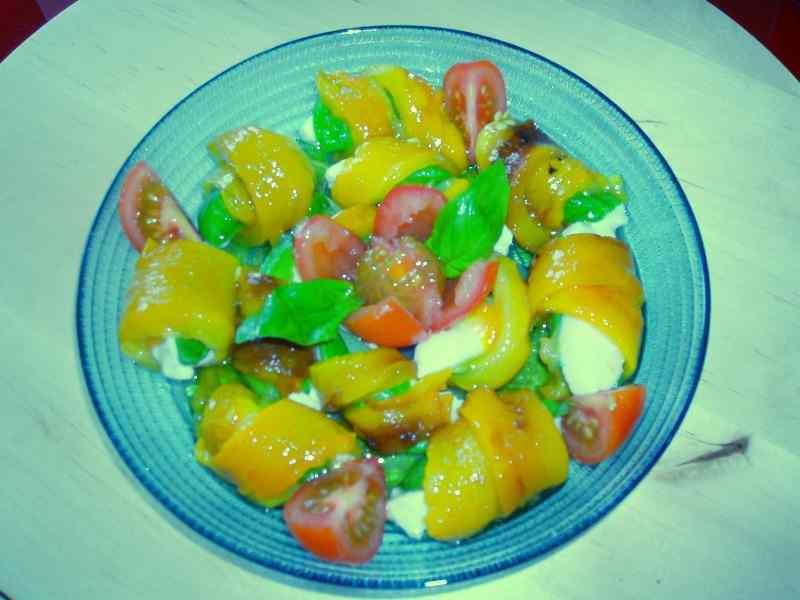Ricetta: Rotolini di peperoni e mozzarella