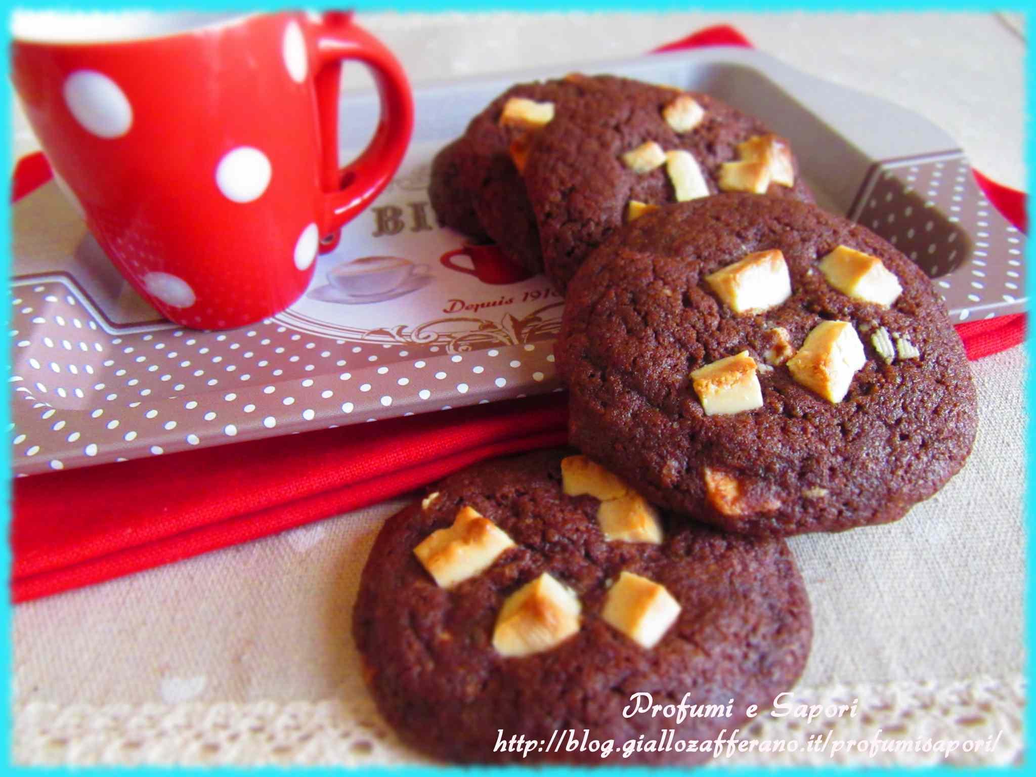 Cookies al cacao e cioccolato bianco