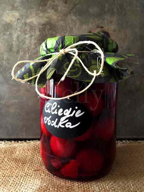 Ricetta: La malizia delle ciliegie- ciliegie sotto spirito vodka e limone