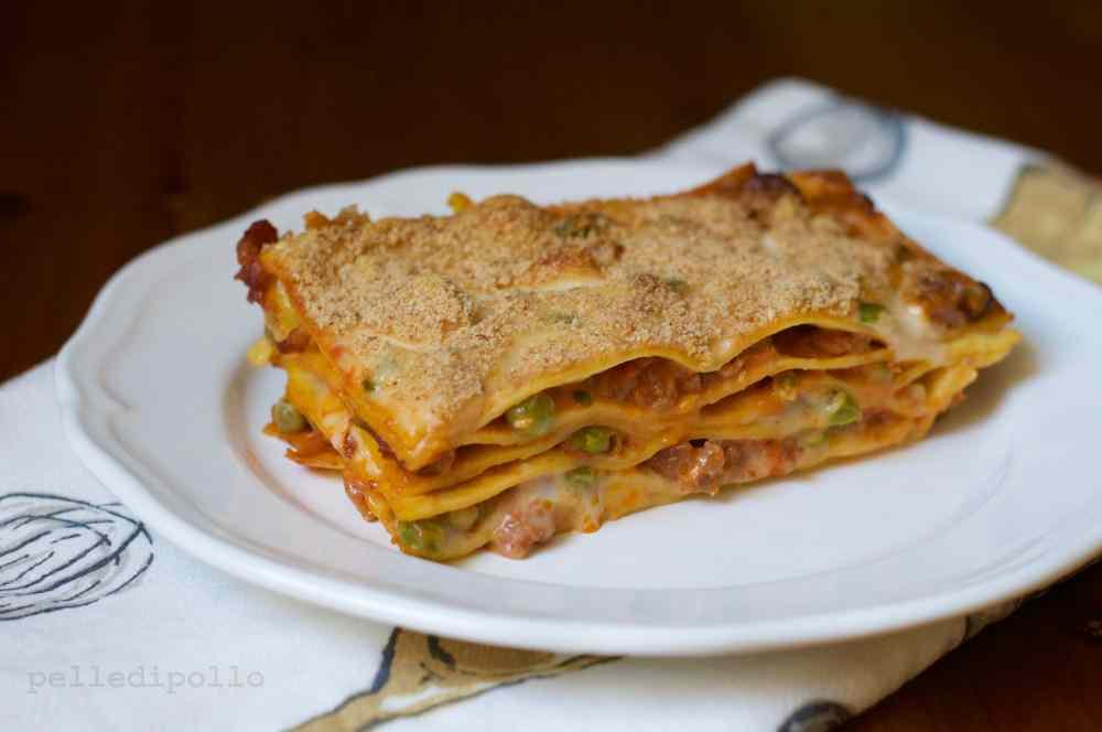 Ricetta: Lasagne con salsiccia e piselli al forno