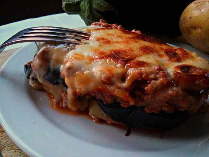 Moussaka greca (pasticcio di carne, melanzane e patate)