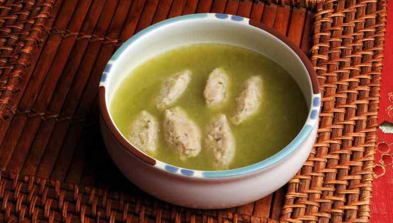 Ricetta: Quenelle di riso in zuppa di scarola