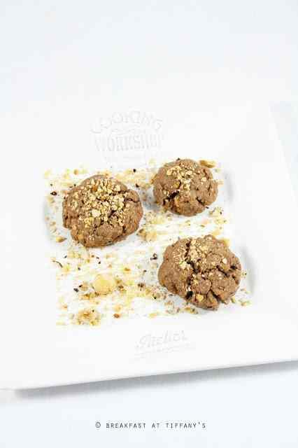 Ricetta: Biscotti di frolla al cioccolato con nocciole / chocolate hazelnuts pastafrolla cookies recipe