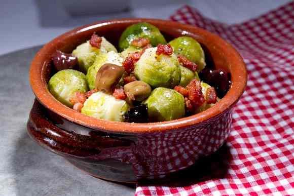 Ricetta: Cavolini di bruxelles con pancetta e olive taggiasche