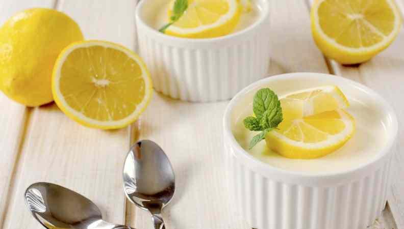 Ricetta: Panna cotta al limone: il gustoso incontro tra panna e frutta