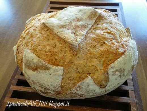 Pane rustico con grano spezzato