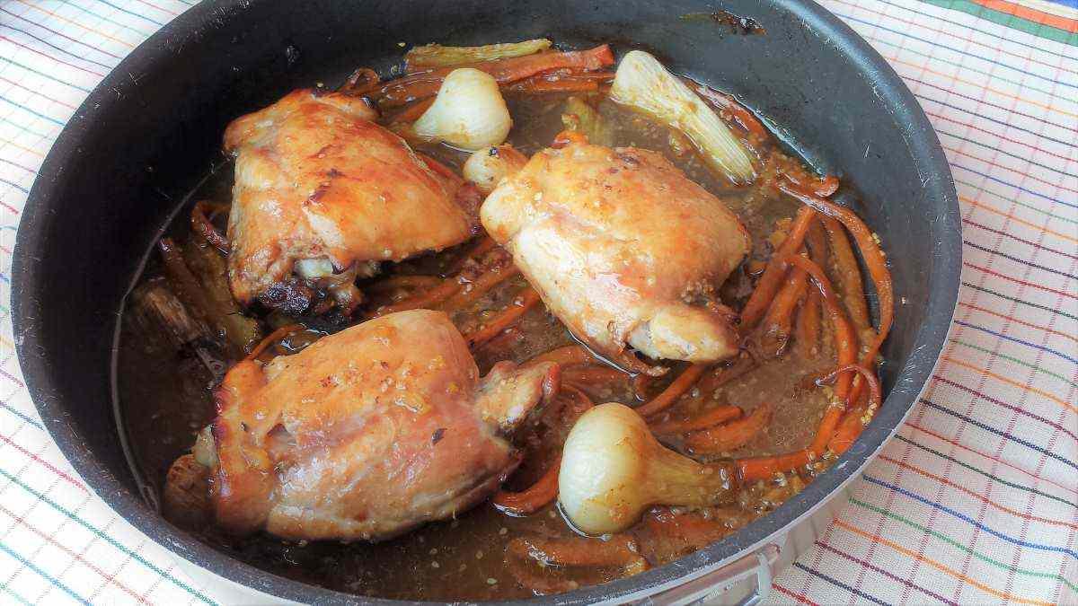 Pollo caramellato con salsa di soia, zenzero e miele