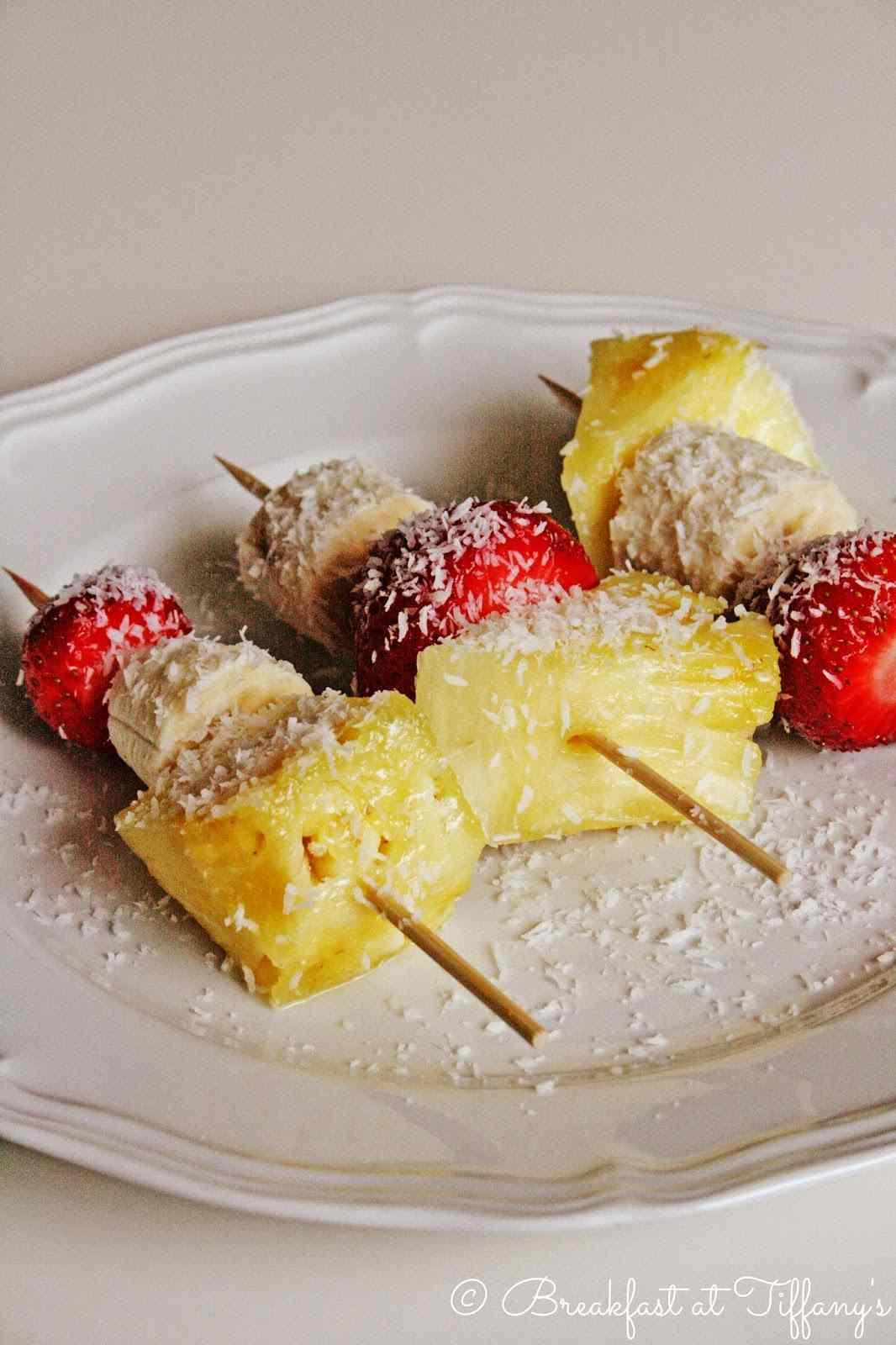 Ricetta: Spiedini di frutta al cocco / coconut skewers with fruit