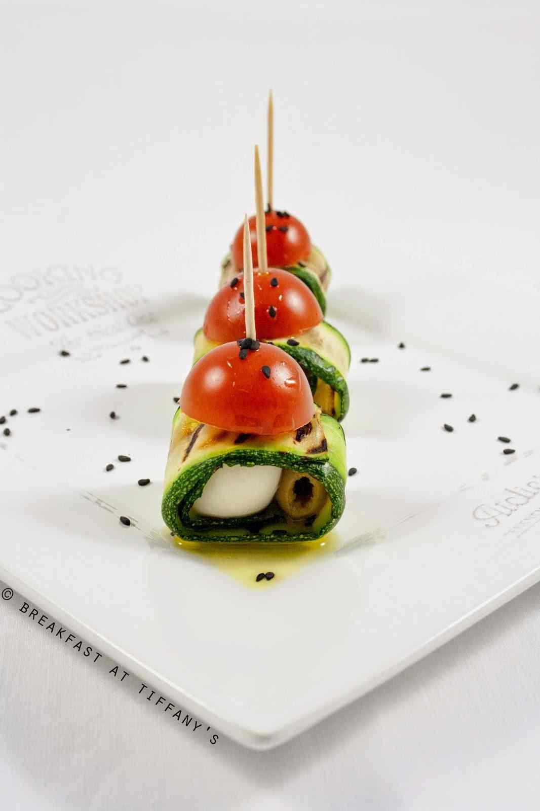 Ricetta: Involtini di zucchine, pomodorini e mozzarelline  / mini rolls with zucchini, cherry tomatoes and cherry mozzarella