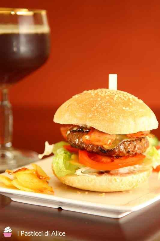 Ricetta: Hamburger home made e chips di patate