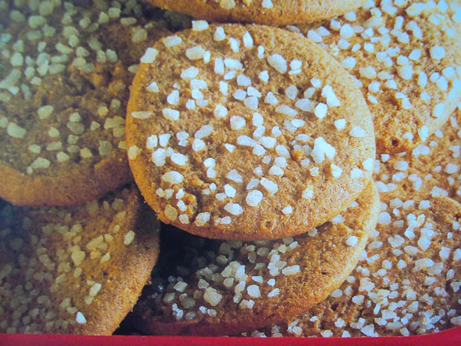 Biscotti al caffè e granella di zucchero